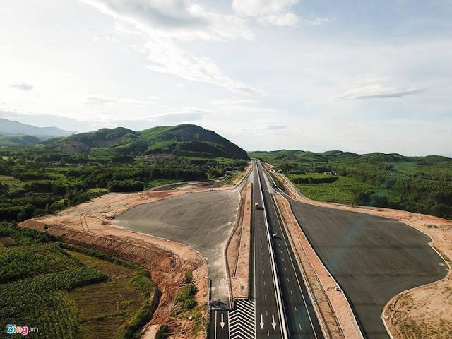 Cao tốc Đà Nẵng – Quảng Ngãi nhìn từ trên cao