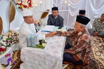 pernikahan viral mahar 100 juta dan 100 mayam emas