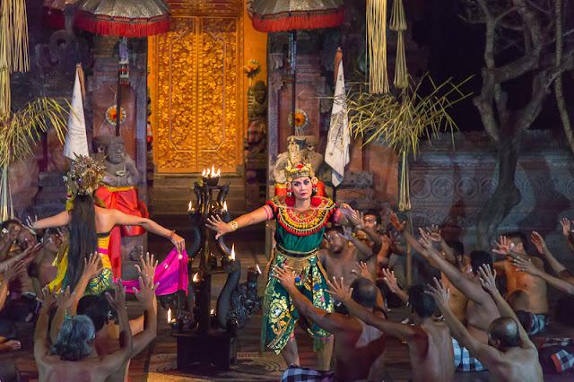 Kecak Dance in Batubulan ubud bali indonesia