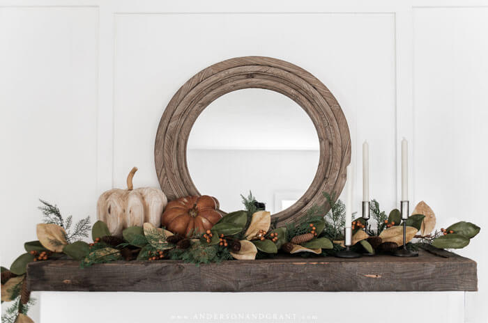 Ideas for decorating your modern farmhouse living room and mantel for fall.