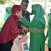 Ketua Persit KCK Koorcab Rem 141 PD XIV/HSN, Bersama Pengurus Gelar Bakti Sosial
