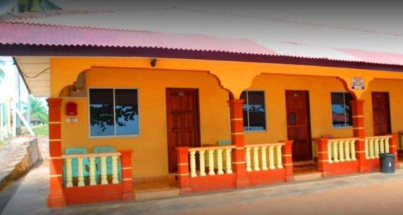 Homestay /Chalet Pantai Suria