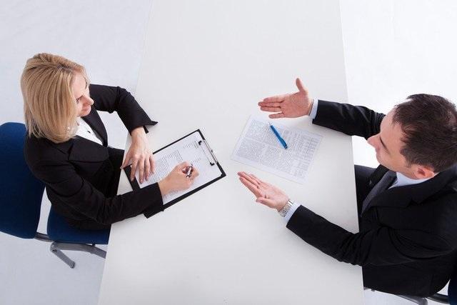 Crisi: 1 lavoratore su 2 teme licenziamenti