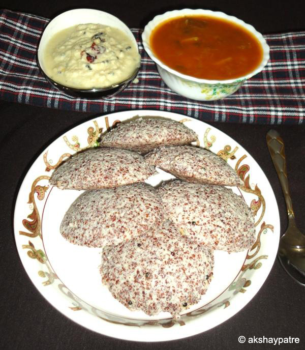 finger millet idli in serving plate