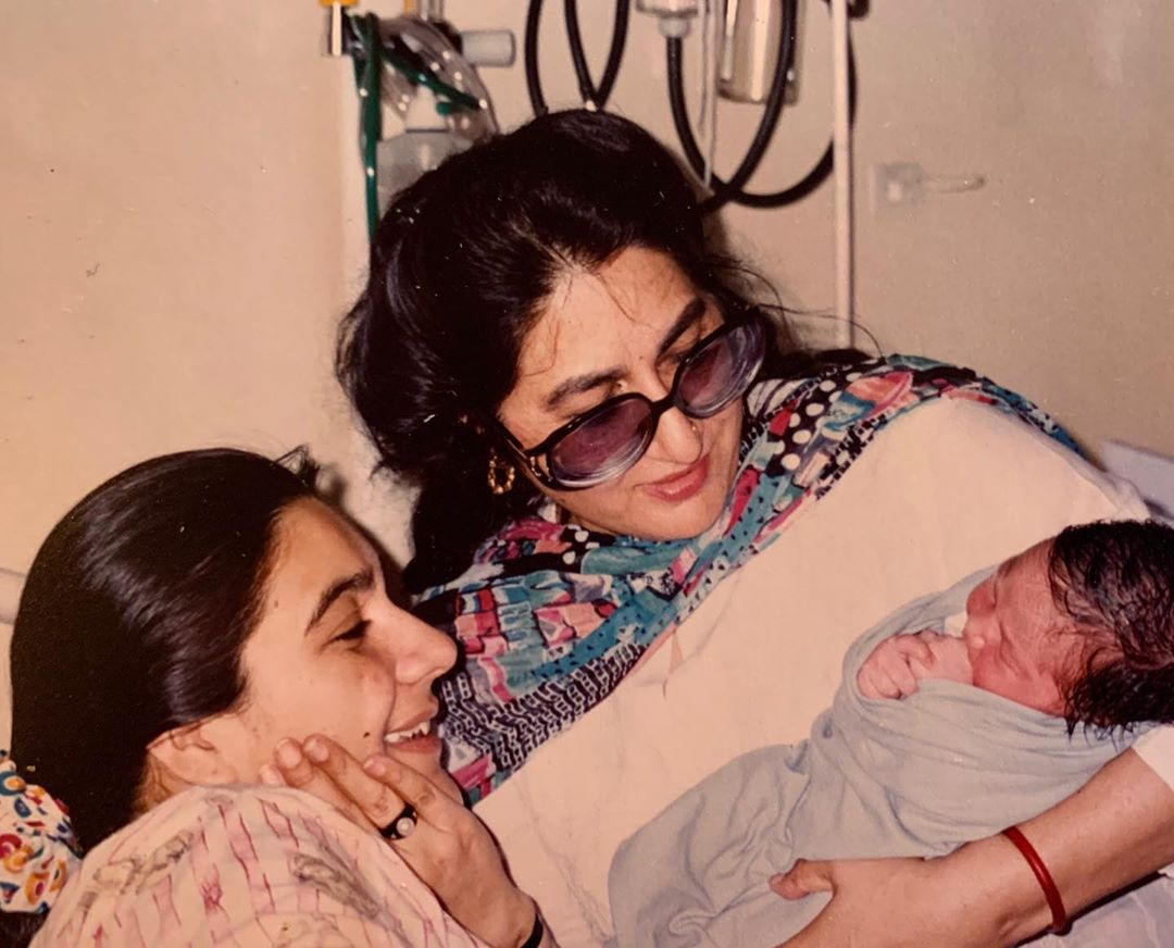 Sara-Ali-Khan-shares-photos-with-her-mother-and-grandmother-on-Mother-s-Day