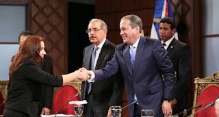 Senador Paliza y John Guiliani se enfrentan durante entrevista en el CNM