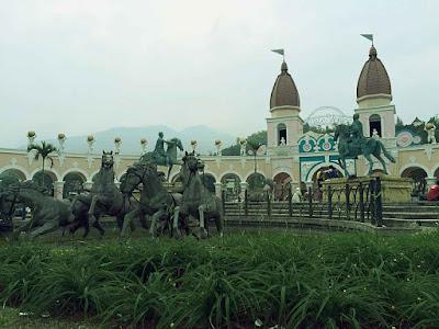 Sewa Villa di Puncak | Villa Kota Bunga - Asep