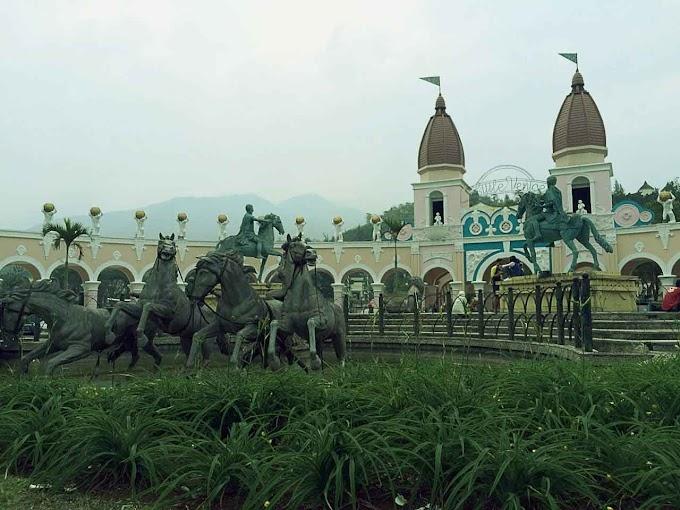 Sewa villa di puncak untuk rombongan | Villa Kota Bunga - Asep