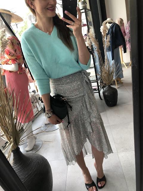 Sweterki damskie,spodnice damskie,moda po 30,moda po 40