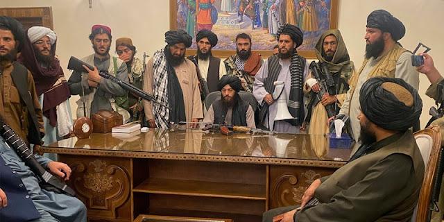 Umumkan Kemenangan dari Istana Kabul, Taliban: Menggulingkan Presiden adalah Prestasi Tak Tertandingi