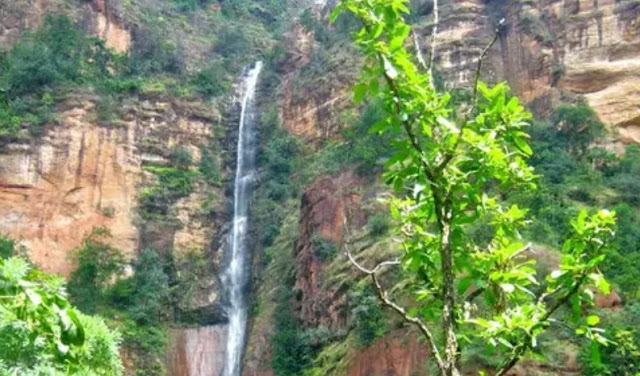 places to visit in pachmarhi in two days  pachmarhi places photo  pachmarhi weather  how to reach pachmarhi  pachmarhi resorts  mp tourism  bhopal to pachmarhi  pachmarhi tracking