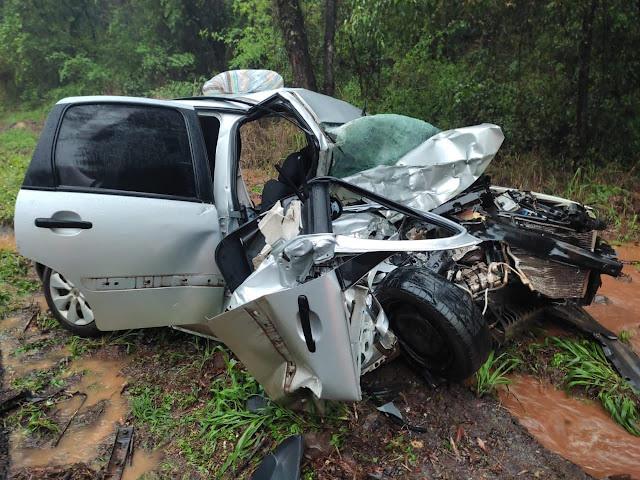 Jovem de 29 anos morre em acidente na PR-487. Veículo ficou destruído!