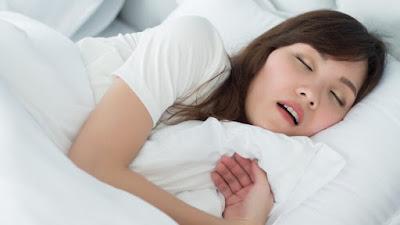 Ini Adalah Posisi Tidur Terbaik Jika Anda Mendengkur