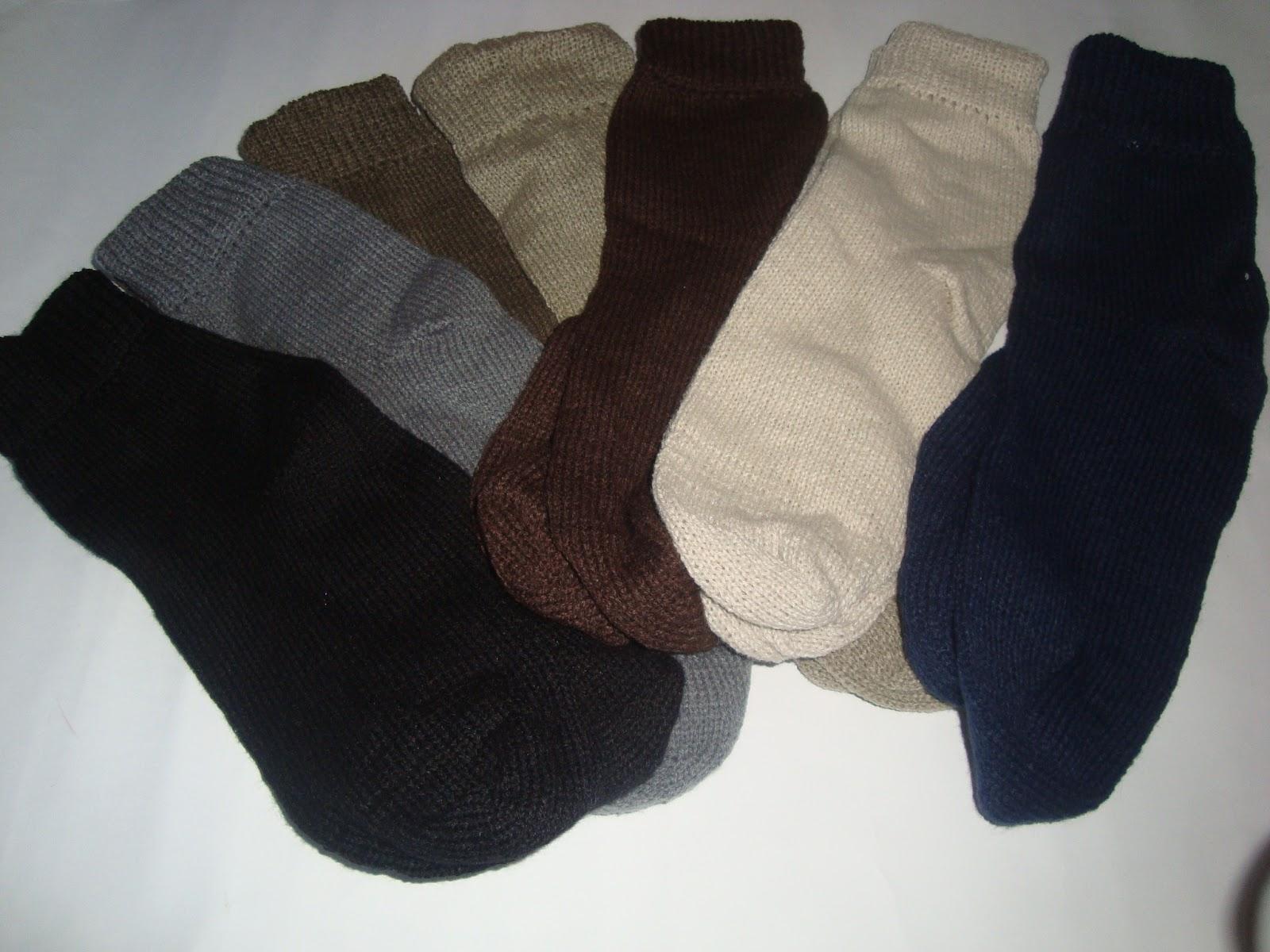d50edd0e74448 Artesanatos DriArt  meia lã para adulto e meia calca infantil