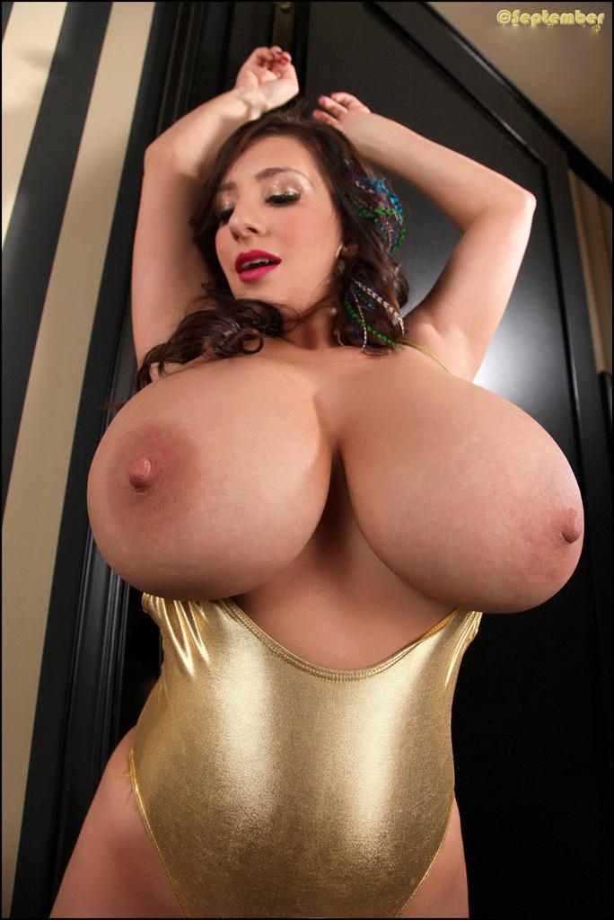 Посмотреть картинки женщины с громадными дойками