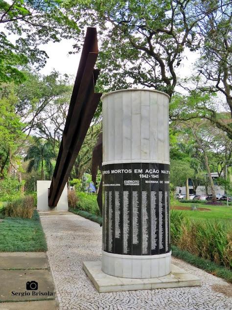 Vista ampla do Monumento aos Ex-Combatentes (FEB) - Paraíso - São Paulo