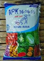 Membuat nutrisi hidroponik AB Mix sendiri menggunakan pupuk NPK, KCL dan Gandasil D