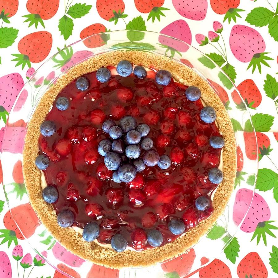 Easy No-Bake Cherry and Cream Cheese Patriotic Dessert