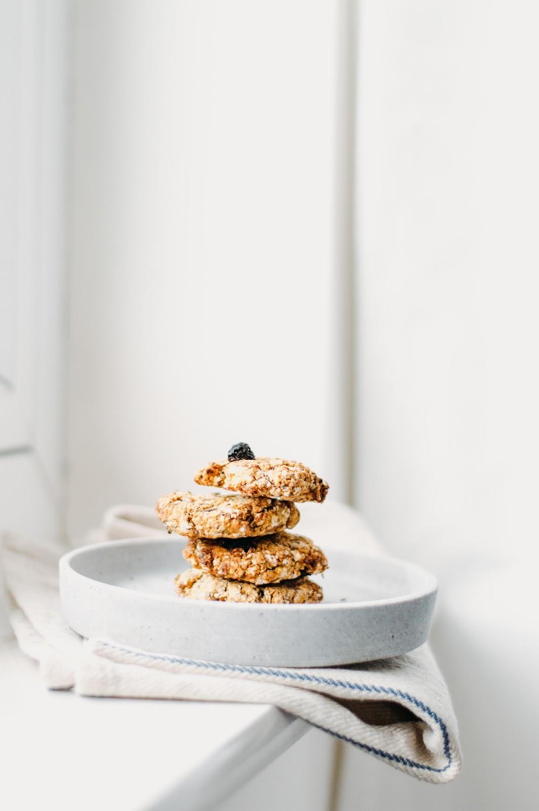 Orange and Cardamom Oat Cookies| https://oandrajos.blogspot.com