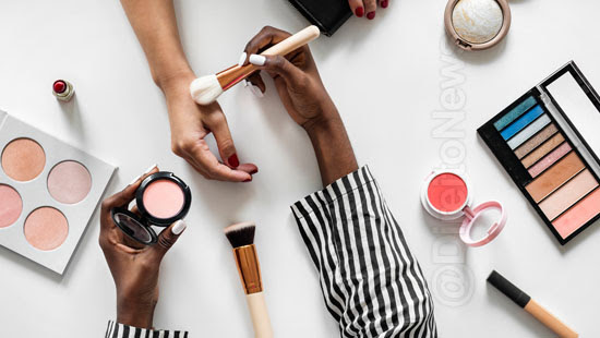 reconhecido vinculo emprego consultora cosmeticos direito
