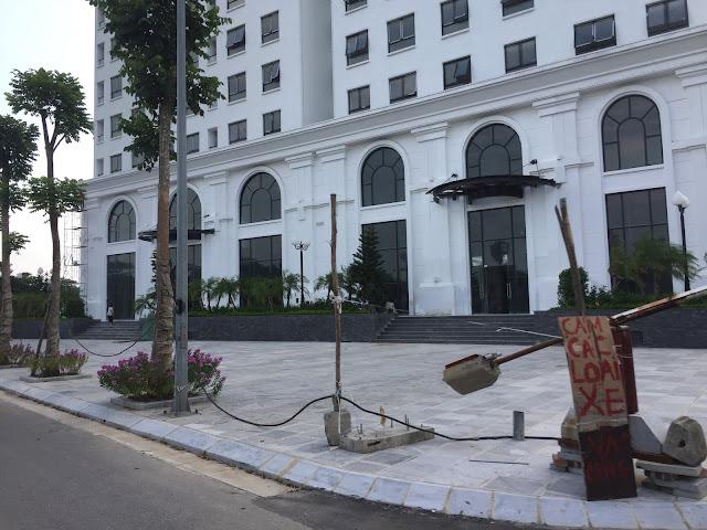 Phần trung tâm thương mại tại chung cư Eco city