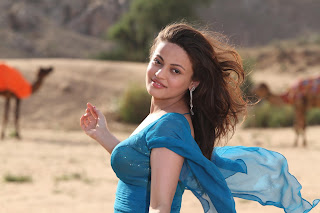 lovely Indian Bollywood actress pics, Smart Bollywood actress wallpaper