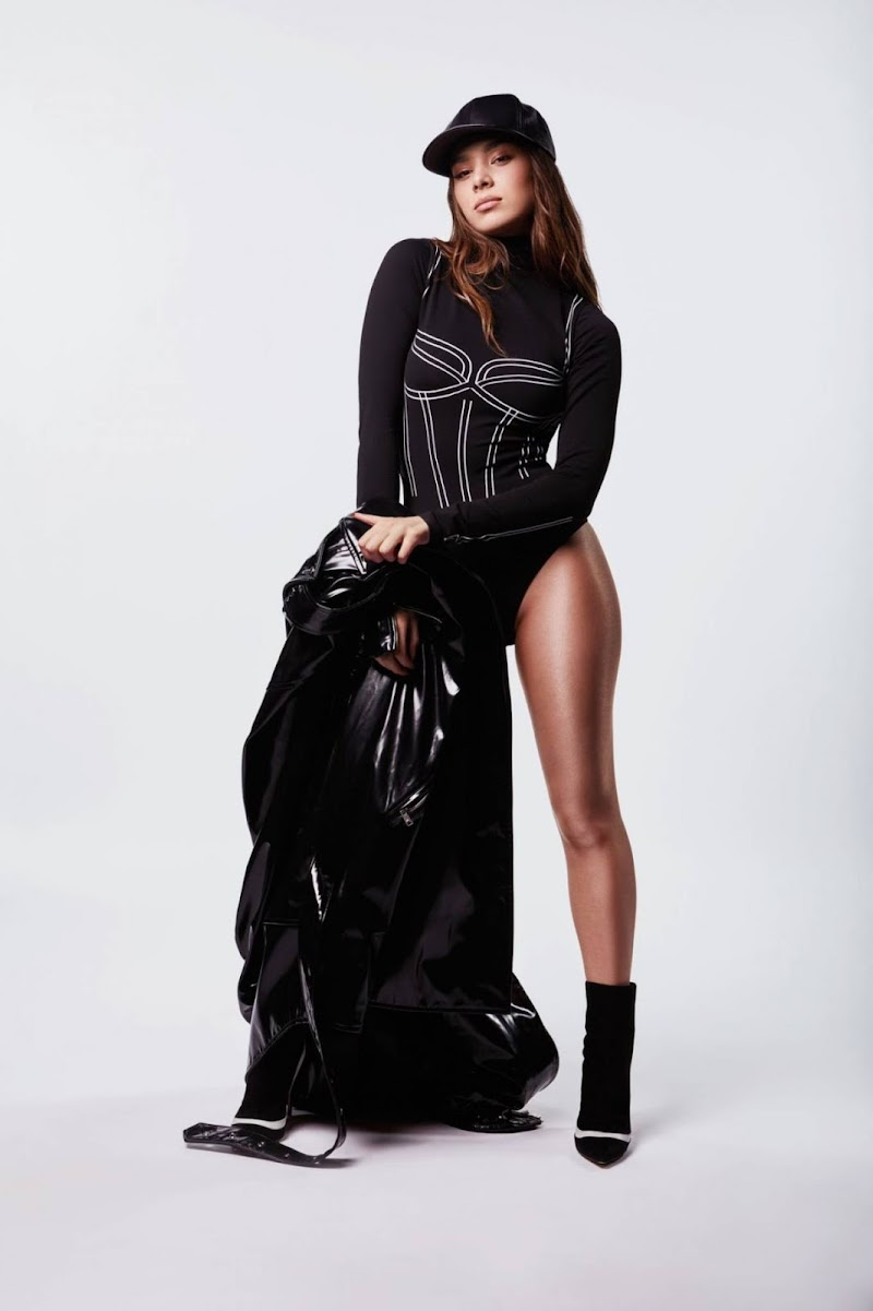 Hailee Steinfeld In  I love You' promo single 2020