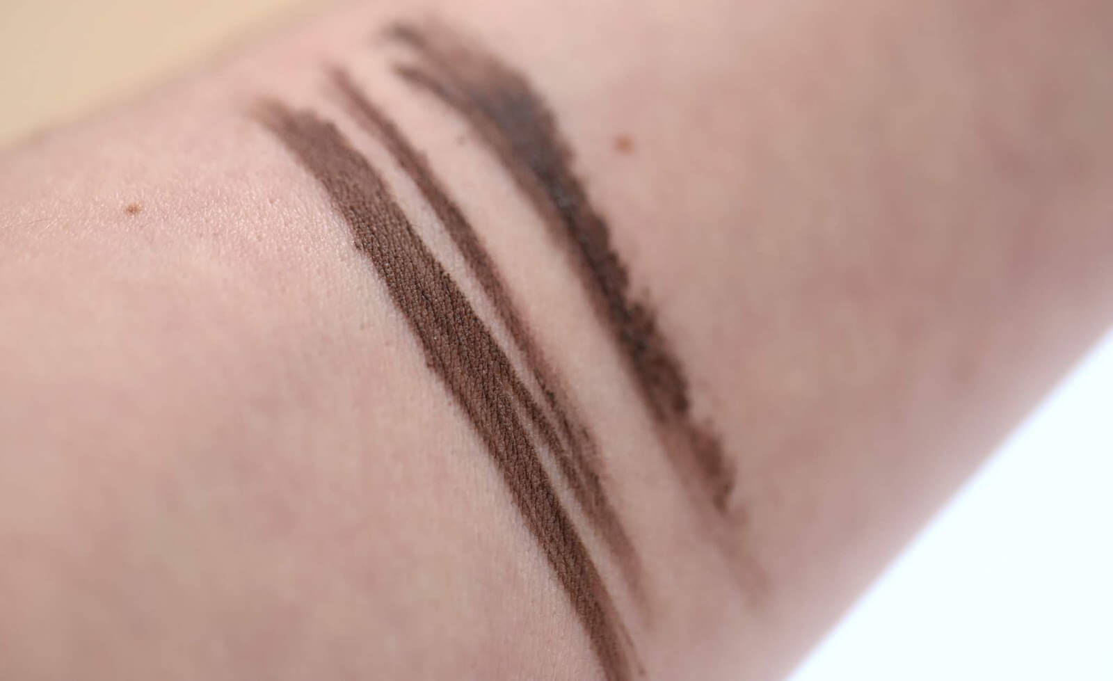Anastasia Medium Brown swatch
