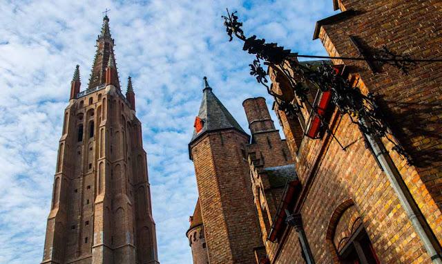 iglesia de Nuestra Señora, Onze Lieve Vrouwekerk