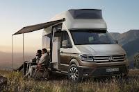 Volkswagen California XXL Concept (2017 Rendering) Front Side 2