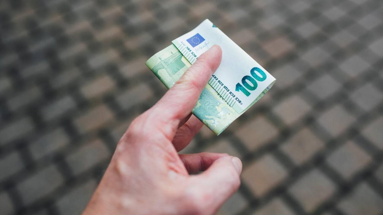 Επίδομα των 800 ευρώ: Την Κυριακή ανοίγει η πλατφόρμα για τις δηλώσεις