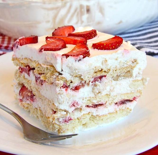 No Bake Strawberry Icebox Cake #desserts #summer