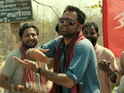 Abhay Deol as Kabir, Naxalite bride enjoys his bufoonery, Chakravyuh (2012), Directed by Prakash Jha
