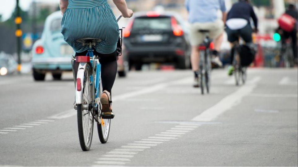 Πρόστιμο 100 ευρώ σε ποδηλάτη που πήγαινε ανάποδα στην οδό Κύπρου