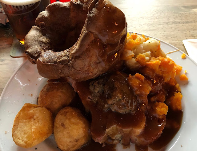 Our Guide to the Best Sunday Lunches in North East England | 30+ Recommendations & Photos - The Sun Inn, Morpeth