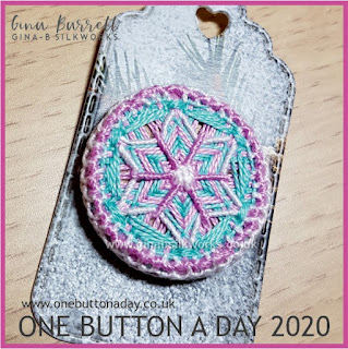 One Button a Day 2020 by Gina Barrett - Day 19 : Iced Star