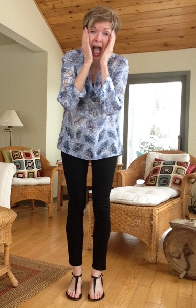 Tory Burch tunic, black Vince leggings, Michael Kors sandals