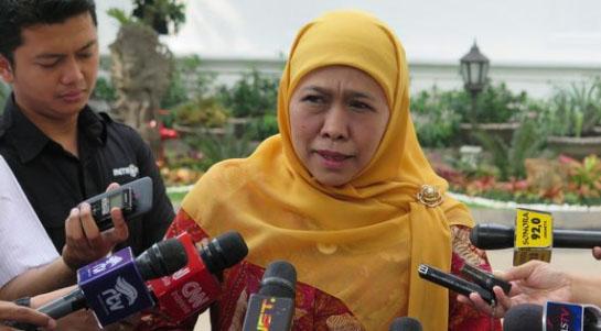 Khofifah Lepas Kapal Pembawa Bantuan ACT Sebanyak 2 Juta Kg Beras ke Rohingya