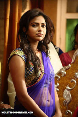 Amala Paul in Oru Indian Pranayakadha