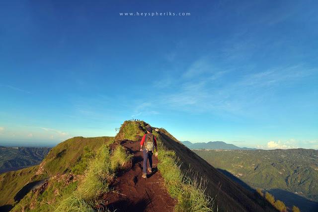 Jalur Punggungan Gunung Batur