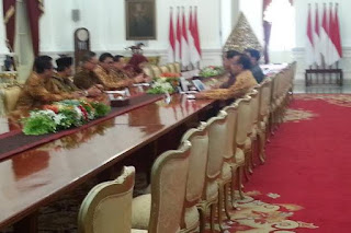 Waduh Ada Apa Gerangan ? Pimpinan MPR Datangi Presiden Jokowi di Istana Merdeka - Commando