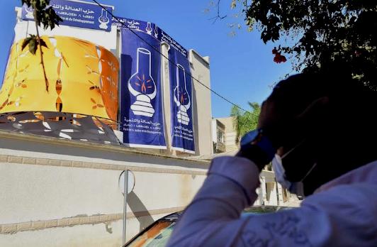 """جبرون ينبه إلى """"التدخل الناعم في الانتخابات"""" ويؤيد تغليب المصلحة الوطنية"""