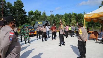 Polres Bintan bersama TNI Mengamankan Jalannya Deklarasi Kampanye Damai Paslon Cabup dan Cawabup Bintan