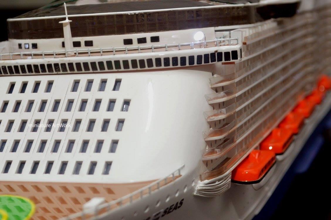 pembuat produsen miniatur kapal pesiar oasis of the seas royal caribbean international cruises ship rumpun artwork planet kapal