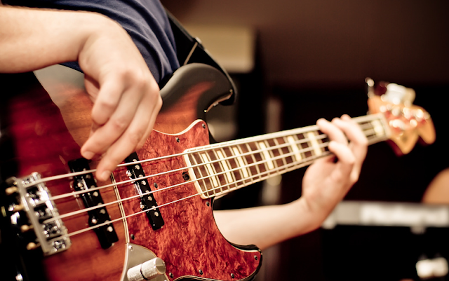7 Pictures of Basic Bass Chords that Beginners Must Know