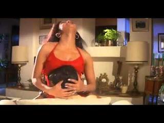 Priyanka Chopra & Akshay Kumar hot in 'Andaaz'