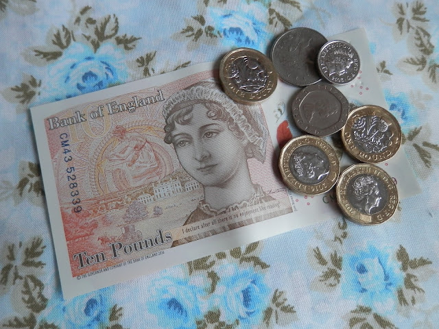 Thrifty tip - Set yourself a monthly cash spending limit. From UK thrifty money saving blogger secondhandsusie@blogspot.com #thriftytip #thriftlife #moneysaving #yearofsaving