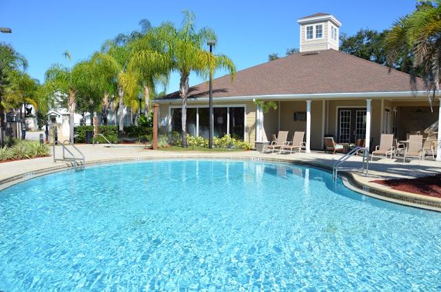 Piscina do Condomínio de casas Lucaya Village Resort em Orlando