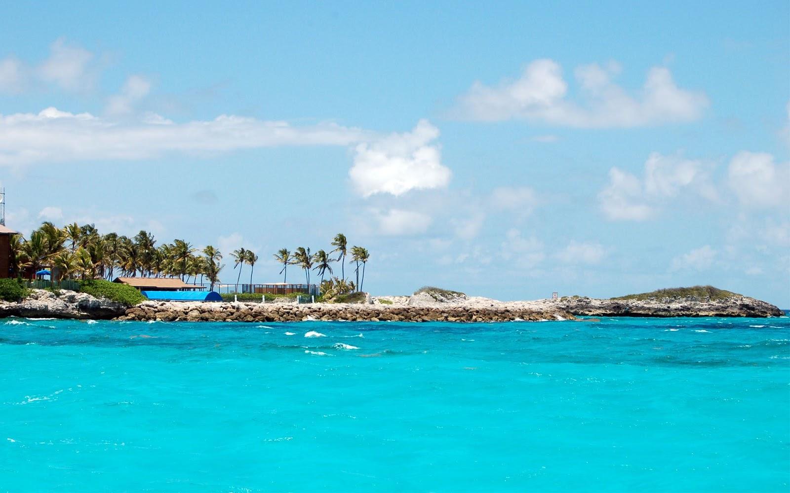 Tourism: Blue Lagoon Island