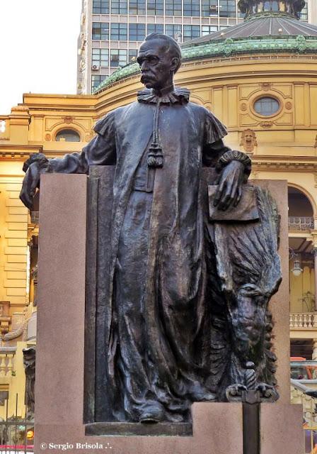 Close-up da Estátua de Rui Barbosa - Centro - São Paulo